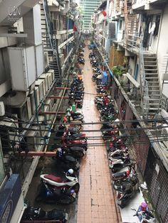 Wir waren ja nun schon einige Male in Bangkok und man sollte meinen, wir haben alles schon gesehen und langweilen uns inzwischen dort. Aber ...