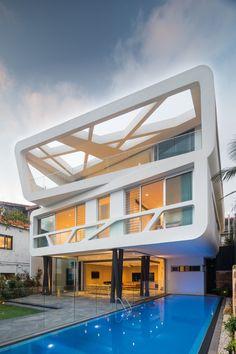 modern home on Australia's Bronte Beach   Architects: MPR Design Group   Location: Hewlett Street, Bronte Beach, Australia   Photographs: Courtesy of MPR Design Group