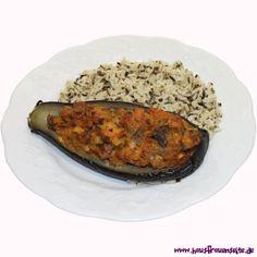 Gefüllte Aubergine  unsere gefüllte Aubergine schmeckt kalt als Vorspeise, warm als Beilage oder mit wildem Reis als leichtes Gericht vegetarisch