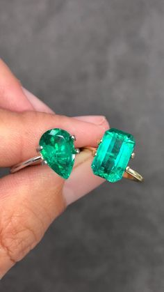 A GIA certified, emerald cut with vivid bluish green color and incredible rare clarity. The pear to left is a vivid muzo green color. Top tier color and clarity. These would make a magnificent statement piece. Rose Gold Engagement Ring, Diamond Wedding Bands, Moissanite Bridal Sets, Wedding Ring Designs, Emerald Jewelry, Emerald Rings, Colombian Emeralds, Schmuck Design, Sea Glass Jewelry