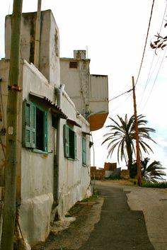 Thin house, Batroun, North Lebanon