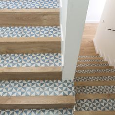 Rural Living in Spain : design elements Tile Stairs, House Stairs, Interior Stairs, Interior Design Living Room, Casa Petra, Vinyl Rug, Best Flooring, Creative Decor, Interior Design Inspiration