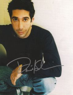 David Schwimmer -- I am more in love with him as Ross from Friends. He is like the perfect guy! Attractive and nerdy, funny, caring Friends Season 3, Friends Cast, Friends Moments, Friends Tv Show, Friends Forever, Friends Actors, Ross Friends, Hot Actors, Actors & Actresses