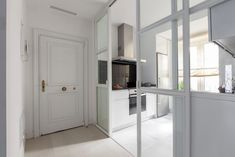 Puerta de cristal Madrid, Duplex, Interior Decorating, Interior Design, Living Room Kitchen, Malaga, Home Kitchens, Tall Cabinet Storage, Small Spaces