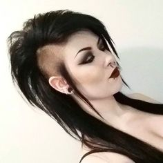 50 Of the Greatest Mohawks Gothic Hairstyles, Mohawk Hairstyles, Shaved Hairstyles, Hairstyles 2018, Latest Hairstyles, Goth Hair, Grunge Hair, Long Hair Shaved Sides, Half Shaved
