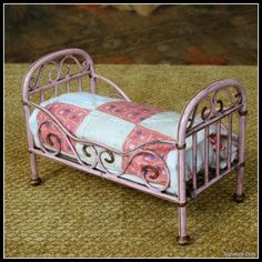 Old pink and Cream Dollhouse Quilt, Marklin bed Dollhouse Quilt, Pink Dollhouse, Victorian Dollhouse, Dollhouse Miniatures, Crate Furniture, Doll Furniture, Dollhouse Furniture, Cheap Furniture, Urban Furniture