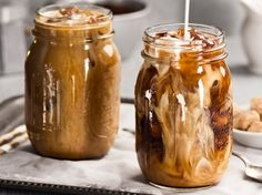 They make you addicted: The best iced coffee recipes ever! - {coffee - kaffee} - A-Z Finance Plan (For Life) Cold Brew Coffee Concentrate, Cold Brew Coffee Recipe, Making Cold Brew Coffee, Desserts Rafraîchissants, Best Iced Coffee, Ground Coffee Beans, Coffee Health Benefits, Coffee Recipes, Coffee Drinks
