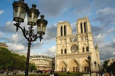 Police thwart potential terrorist attack in Notre Dame, Paris, France.