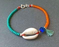 Cowrie Shell bracelet - Turquoise and orange - Turquoise tassel - Natural cowrie shell - Sterling silver - Handmade - Summer bracelet - boho - Bracelets - Tutorials Shell Bracelet, Bracelet Making, Jewelry Making, Gypsy Bracelet, Shell Choker, Seashell Jewelry, Beaded Jewelry, Beaded Bracelets, Tassel Bracelet