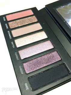 My new favorite beauty tool. I love this purple palette from Younique. I am NOT a presenter, just customer who likes their products. This is palette 3.