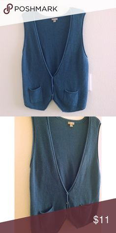 J.Jill used sweater vest size XL Perfect used condition. No stains no pills no damage. From free pets and smoke home . 100% cotton.Thank you for looking and please feel free to view my other items :) I do bundles too J. Jill Jackets & Coats Vests