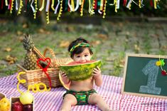 Family Photos With Baby, Baby Photos, Old Photos, Watermelon Birthday Parties, Mother Daughter Photography, Tropical Party, Cake Smash, Children Photography, First Birthdays