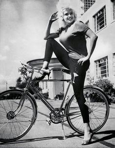 Jayne Mansfield, ca. 1959. Mariska Hargitay Mom
