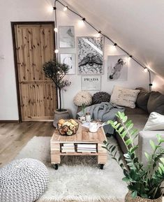 impressive diy room decor as interior designs for bedroom decor or apartment decor and living room decor for the beauty of your dream home College Apartment Decor, Farm House Living Room, Room Design, Decor Design, Apartment Decor, Bedroom Decor, Cozy Room, Interior Design, Living Room Designs