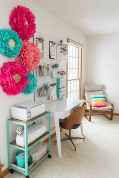 There's just something about a bright and colorful scraproom that makes my heart skip a beat. So you can bet that I was having major palpitations looking at these 10 colorful and organized cr…