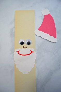 Christmas Paper Chain Craft - make a happy Santa, playful Rudolph and an elf from construction paper. Make them into a chain & create a fun Christmas craft. Santa Crafts, Crafts To Make, Christmas Crafts, Crafts For Kids, Children Crafts, Christmas Paper Chains, Christmas Fun, An Elf, Construction Paper