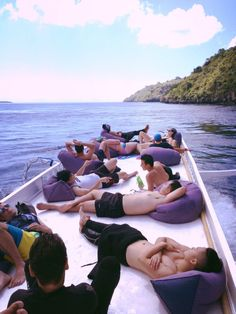where to go in bali: diving boat with world Lembongan Bali Travel Guide, Travel Guides, Kuta, Most Visited, Ubud, Amazing Destinations, Where To Go, Surfboard, Diving
