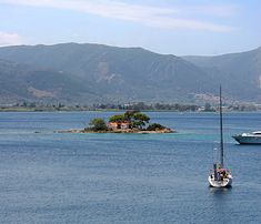 Greek Island of Poros Greek Town, Wonderful Places, Amazing Places, Paradise On Earth, Future Travel, Ancient Greece, Greek Islands, Beautiful Islands, Mykonos