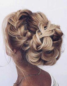 17.Gelin Topuz Saç Modeli