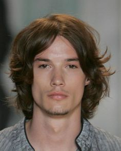 Hairstyle Inspiration for Men Men's Hairstyles - Long Hairstyles for Men - Men With Long Hair. Longer hair for men has become a mainstay in men's style. It is old world meets modern man. It is classy and distinguished as seen here. Mens Medium Length Hairstyles, Straight Hairstyles, Men's Hairstyles, Hipster Hairstyles, Hairstyle Short, School Hairstyles, Hair Updo, Hairdos, Medium Hair Cuts