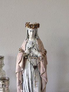 Large Antique Virgin Mary statue in french nordic shabby style with vintage… Madonna, Religious Icons, Religious Art, Jungfrau Maria Statue, Virgin Mary Statue, Religion, Holy Mary, Catholic Art, Blessed Virgin Mary