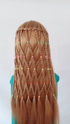Large and Loose Braid with a High Pony - Braided Ponytail Hairstyles Curly Hair Braids, Braided Ponytail Hairstyles, Simple Hairstyles, Style Hairstyle, Short Hair With Layers, Short Hair Cuts, Makeup Trends, Hair Trends, Medium Hair Styles