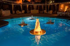 Remember that one time when we had a wedding cake floating on water? Yeah me too. Dinner Table Centerpieces, Wedding Cake Centerpieces, Destination Wedding, Wedding Venues, Wedding Planning, Perfect Wedding, Fall Wedding, Fresh Flower Cake, Black Wedding Cakes
