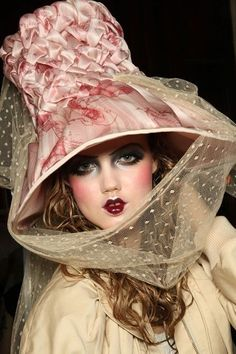 awesome John Galliano Haute Couture | Millinery | Pinterest... Haute couture Check more at http://pinfashion.top/pin/54570/