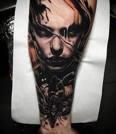 Un tatouage réalisé par Kris Sunkee