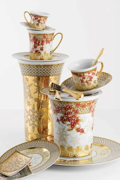 Versace Home Collection Christmas China, Noel Christmas, Versace Home, Teapots And Cups, China Dinnerware, Dinnerware Sets, Elegant Table, China Patterns, Vintage China