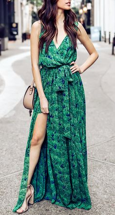 Our Wondrous Floral embroidered maxi dress is equal parts boho chic and fancy soiree-appropriate. The v-neck, empire waist and A-line silhouette gives the dress its traditional feel while the floral embroidery keeps the vibe carefree. Chiffon Dress Long, Maxi Dress With Slit, Bohemian Style, Boho Chic, Green Dress, Green Maxi, Look Fashion, Summer Dresses, Long Dresses