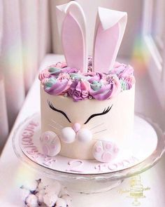 Renshaw's White Rabbit Cake Recipe Easter Cake Easy, Easter Bunny Cake, Bunny Cakes, Bunny Birthday Cake, Birthday Cakes, Gateau Baby Shower, Rabbit Cake, Animal Cakes, Cute Desserts