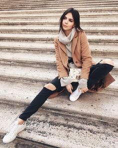 Find images and videos about fashion, style and outfit on We Heart It - the app to get lost in what you love. Rome Outfits, Casual Outfits, Fashion Outfits, Fall Winter Outfits, Autumn Winter Fashion, Quoi Porter, Outfit Invierno, London Outfit, Italy Fashion