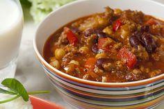 Chilipippuria ja lihaa, eli Chili con carne. Tämä perinteisen chili con carnen resepti saa mehevyytensä Herra Snellmanin paistijauhelihasta. Soup, Chili Con Carne, Red Peppers, Soups, Chowder