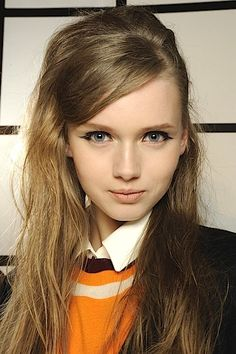 Fall/Winter 2013 Makeup Trends: How To Get A Winged Eyeliner & Bold Brow Look - NARS Photo Review