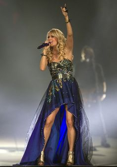 Carrie Underwood in concert, on The Blown Away Tour! Love her dress