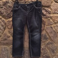 """""""Silver"""" women's plus- Tuesday Mid Straight leg """"Silver"""" women's plus- Tuesday Mid Straight leg- women's plus size 24, length 30- like new Silver Jeans Jeans Straight Leg"""