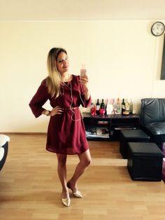 Vestido color burdeo