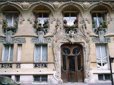 L'incroyable immeuble Art Nouveau à Paris de Jules Lavirotte au 29 avenue Rapp dans le 7ème