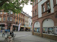 Links Pirmasenser Straße, rechts Rosenstraße
