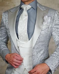 Ideas wedding suits men ideas mens fashion for 2019 Mens Fashion Suits, Mens Suits, Fashion Outfits, Wedding Dress Men, Wedding Suits, Style Masculin, Designer Suits For Men, Look Man, Gentleman Style