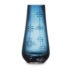 http://designheaven.files.wordpress.com/2008/08/royalcopenhagen-glass-vase-large-royal-blue-jpg.jpg