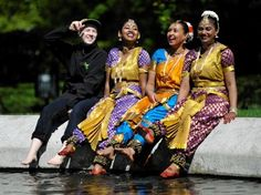 Dancers from the Abhinaya dance group at Kelvingrove Park as Commonwealth Games recruits are to be given a test run at Glasgow's Mela festival Commonwealth Games, Glasgow, Dancers, Celebrations, Wrestling, Journal, Running, Group, Park