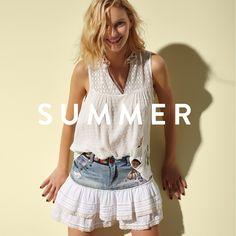Bikini, pants, culottes, dresses, hats, shirts, short-sleeve tops, skirts, t-shirts, tunics.. Discover Desigual Women's Summer collection!