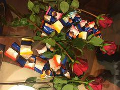 Czekoladki wedlowskie to jak róże wśród kwiatów #Wedlowskiedesery #Idealnenaprezent #Idealnenaspotkanie #Wedel https://www.facebook.com/photo.php?fbid=10212002846126588&set=o.145945315936&type=3&theater
