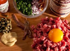 Recipes beef to day : Best Beef Steak Tartare Recipe – How to Make Steak Tartare Tartare Recipe, Beef Chops, Beef Recipes, Cooking Recipes, Carpaccio, Onion Relish, Tapenade, Sushi, Beef Dishes