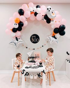 121 Likes, 2 Comments - Linley Halloween 1st Birthdays, Halloween First Birthday, Girl 2nd Birthday, Pink Halloween, Baby Girl Halloween, Cool Halloween Costumes, Holidays Halloween, First Birthday Parties, Halloween Decorations