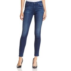 7 For All Mankind Gwenevere Skinny Jeans in Havasu Lake Blue (260 AUD) ❤ liked on Polyvore featuring jeans, havasu lake blue, blue skinny jeans, 7 for all mankind, white skinny jeans, blue jeans and white denim skinny jeans