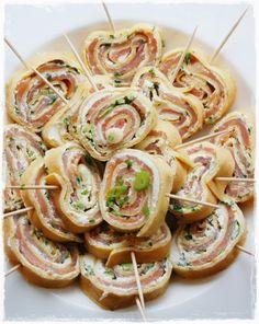 Fingerfood...Pfannkuchen,Lachs und Frischkäse..
