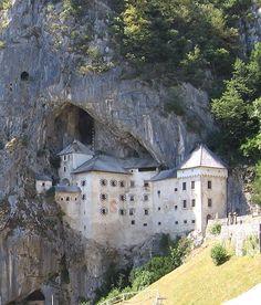 Predjama castle, in italiano Castel Lueghi ( Slovenia ), XIII secolo